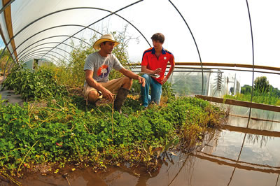Student farmers at Clemson University, Clemson South Carolina