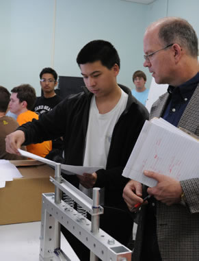 Design, build and program robots to accomplish given tasks using MathWorks MATLAB software during this semester-long class specifically for freshmen.