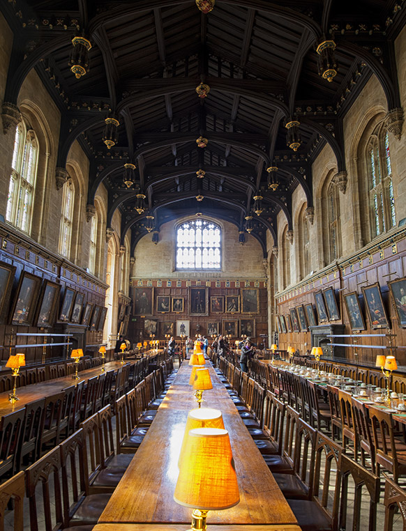 During the summer, students have the opportunity to take one or two classes at Magdalen College at Oxford University in London. Long weekends enable optional side trips to cities such as Paris, Dublin and Brussels.