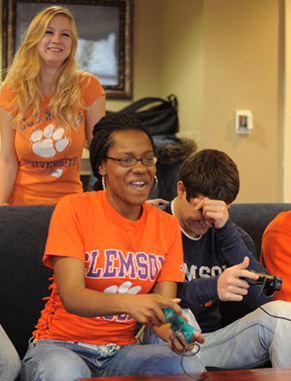 Participate in a living-learning experience where you live and learn with peer business majors in a dedicated residence hall. Take part in educational and extracurricular activities while forming lifelong friendships.